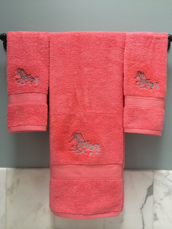 Decorative Embroidered Bath Towels Personalized Beach Theme