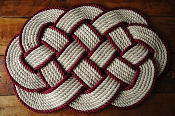 Nautical rope rug cotton bath mat khaki and burgundy for Rope bath mat
