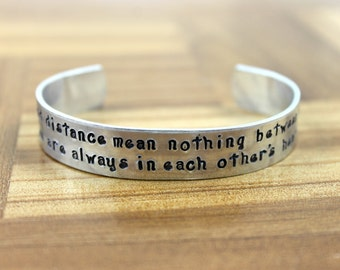 "Sister Jewelry / Sister Gift / Sister Present / Sister Birthday / Sister Gift / ""time and distance mean nothing between sisters"" bracelet"