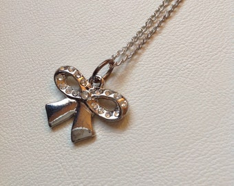 Glistening Bow - Necklace