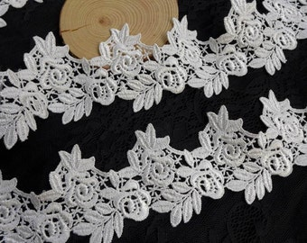 White Venice Lace Embroidery Leaf and Bud Trim Fabric 2.56 Inches Wide 2 Yards