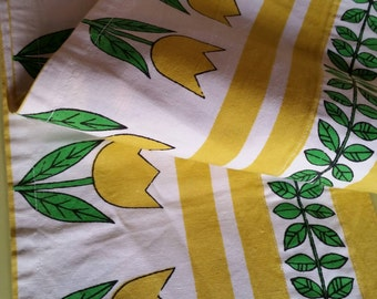 Scandinavian retro modern fabric curtain with tulips and leaves.