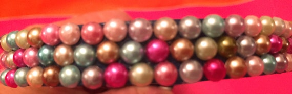 Leather Dog Collar embellished with Multicolored Pearls.