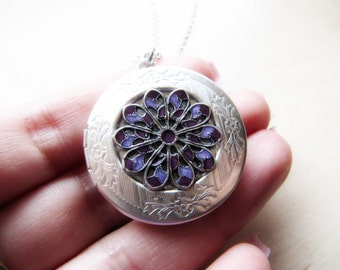 Locket - Silver plated locket - Resin Locket  - Resin jewelry - Enchanted locket - Keepsake - Purple locket - Flower Locket - Satin matte