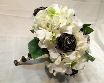 Wedding Bouquet, Bridal Bouquet, Camo Bouquet, Camo Wedding, White Silk Flower Bouquet, Keepsake Bouquet, Mossy Oak Camo, Bridesmaid Bouquet