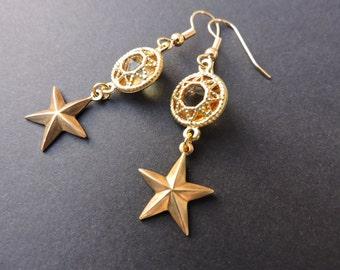 Vintage brass filigree star earrings in topaz