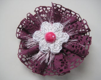 Pink Crocheted Brooch (FREE postage in the UK)
