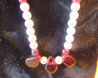 Stunning Garnet and Pearl Necklace