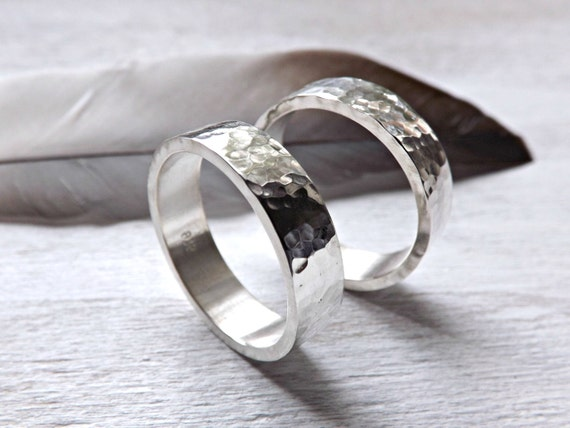 gehämmerte Trauringe vintage look, zwei Silber Ringe, rustikale ...