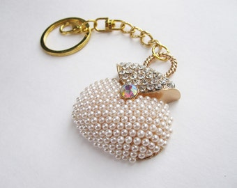 YUMI gold keychain with crystals