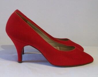 Incredible lipstick red velvet 1950s stilettos US 6B UK 4