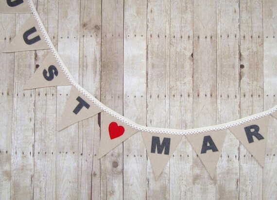 Just Married Banner , Wedding Signs , Rustic Wedding Decor - Linen and Lace with Hearts , Rustic Decoration , Linen banner , Wedding Bunting