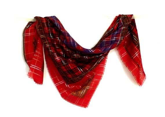 yves saint laurent carr de laine vintage foulard aux motifs. Black Bedroom Furniture Sets. Home Design Ideas