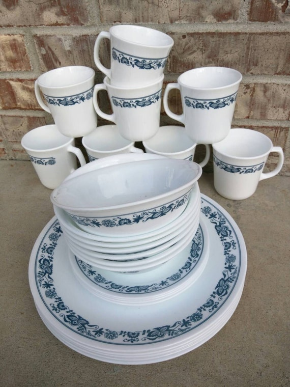 SET OF 6 - Corning Corningware Corelle Old Town Blue 10 Inch Glass Dinner. Vintage Corning Ware SPICE O' LIFE 3 Quart Covered Casserole w/Lid. by Corning Ware - Corelle - Pyrex. $ (4 used offers) 5 out of 5 stars 1. Product Features Vintage Corning Ware