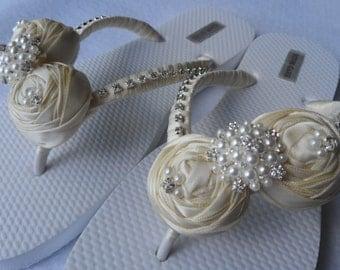 IvoryBridal Flip Flops / Bridal Rolled Flowers Satin Flip Flops / Bridal Sandals / Wedding Ivory Shoes