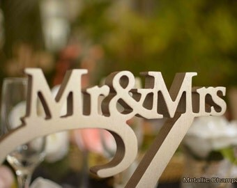 Mr & Mrs Sign Last Name- Personalized Wedding Sign