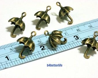 """Lot of 24pcs Antique Bronze Tone """"Umbrella"""" Metal Charms. #BC2809."""