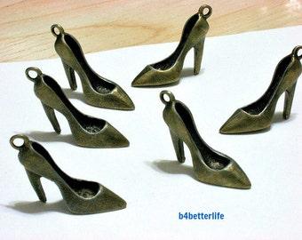 "Lot of 24pcs Antique Bronze Tone ""High Heel Shoe"" Metal Charms. #BC2386."