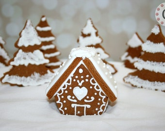Mini Gingerbread House Cutter - Chalet
