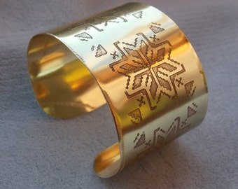 cuff bracelet with traditional romanian motifs
