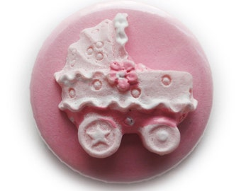 Pinback Button or Magnet It's a girl 3D
