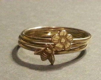 Tiny Bee and Daisy Stacking Ring
