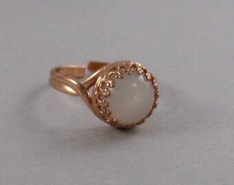 Moonstone Rose Gold Ring,Ring,Rose Gold Ring,Moonstone,Moonstone Ring,Genuine Moonstone,White Stone,White Ring,Gemstone Ring,Rainbow.Seamaid