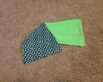 Spot/ green burp rag