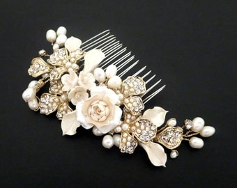 Gold Wedding hair comb, Bridal hair comb, Wedding headpiece, Gold headpiece, Pearl and flower headpiece, Vintage style hair comb, Hair clip