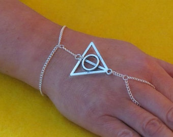 Wizard inspired triangle slave bracelet