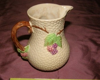 "Vintage WADE England BRAMBLE GRAPE Vines 5"" Cream Pitcher"
