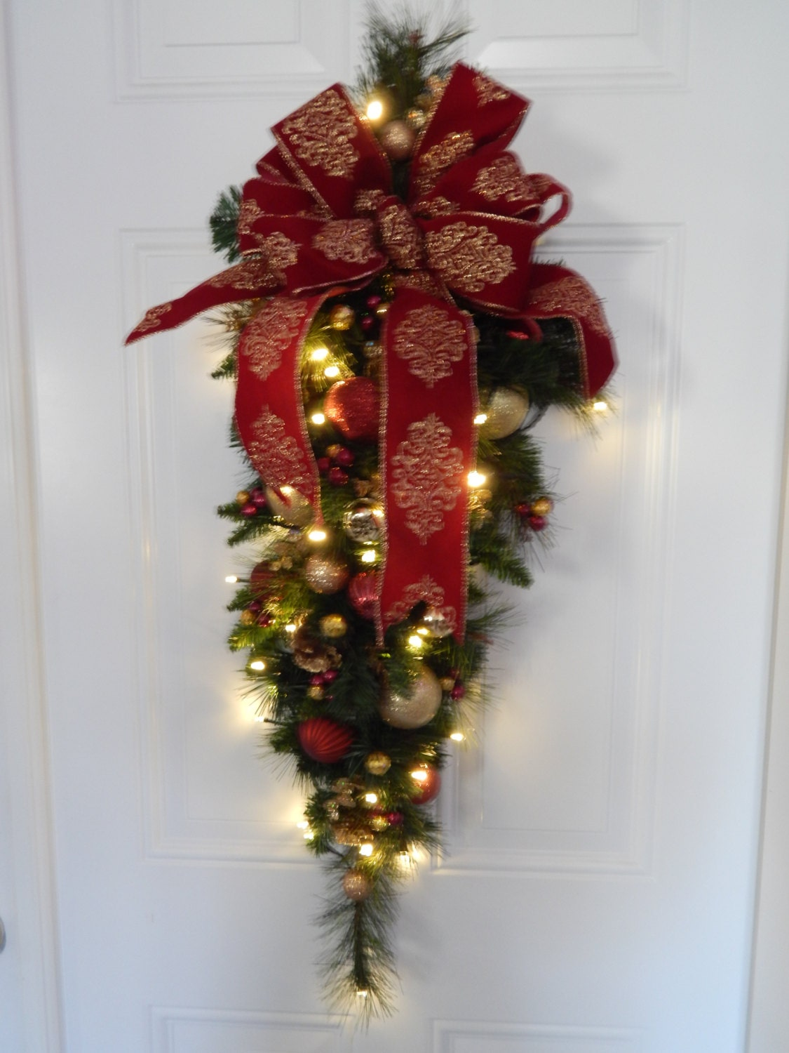 Pre Lit Battery Operated Christmas Wreath