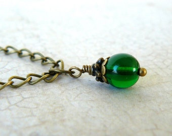 Emerald Green Necklace, Kelly Green Pendant, Vintage Inspired Romantic Jewelry, Rustic Green Glass Bead Dangle