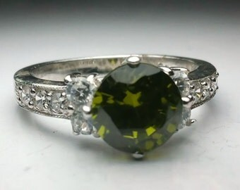 Green Quartz Ring, Green Quartz Silver Ring, Sterling Silver Ring, Green Round CZ , Ring Size 6 , 21898