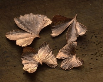 Natiral ginkgo leaf pendant copper electroformed,metal leaves,electroforming,botanical jewelry,electroplated boho necklace,electroform