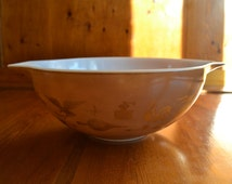 Large 4 Quart Brown Pyrex Bowl from the 60's