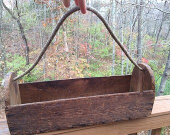 SALE! - Vintage Primitive Wood Box Tote Caddy with Rope Handle