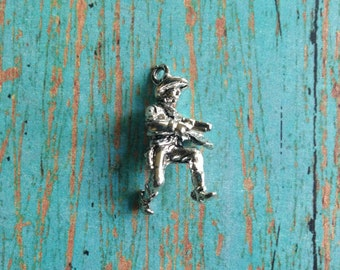 Cowboy charms 3D silver plated pewter (1 piece) - vintage look cowboy charm, old timey cowboy charm, cowboy pendant, old west charm, BB1