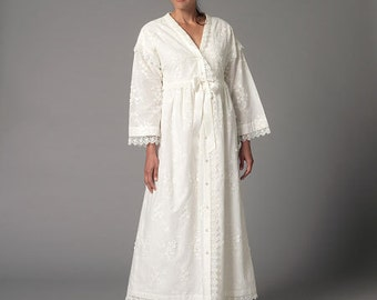Butterick Sewing Pattern B6152 Misses' Robe and Nightgown