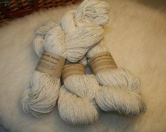 Llanwenog lamb wool blended with Alpaca 100g skeins DK