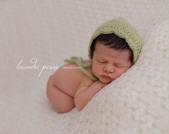 Green Baby Bonnet, Crochet Baby Hat, Crochet Bonnet, Newborn Photo Prop, Crochet Baby Girl Bonnet, UK Seller