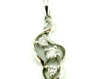 SALE 18K White Gold Diamond Pendant, G Diamonds 2 Cm Pendant, 3 Brilliant Cut Diamond Necklace, •46 Carat Weight