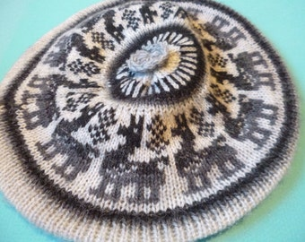 Vintage Beret Alpaca Hat Child's Wool Cap Gray and Black