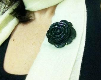 Black Rose Broche Pin
