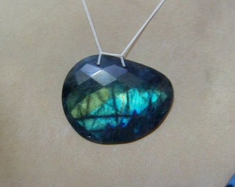 1 Pendant  Labradorite   Faceted oval   shapes   beads