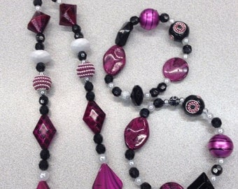 Hot pink bead jewelry, Black bead jewelry set, 2timothys16, pink and white jewelry, pink and black jewelry, 2timothys16, Creole Ladies Rouge