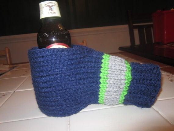 Items similar to Beer Mitt Cozy - Knit on Etsy