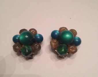 Vintage Green Bead Cluster Earrings Costume Jewelry