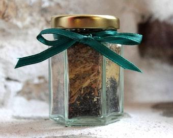 Winter banishment, winter incense, herbal pot pourri, incense ingredients, steam bath herbs, winter pick me up, hoodoo mojo bag