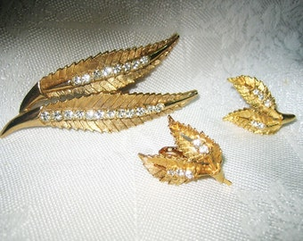 Vintage Rhinestone Brooch & Earrings Gold Tone